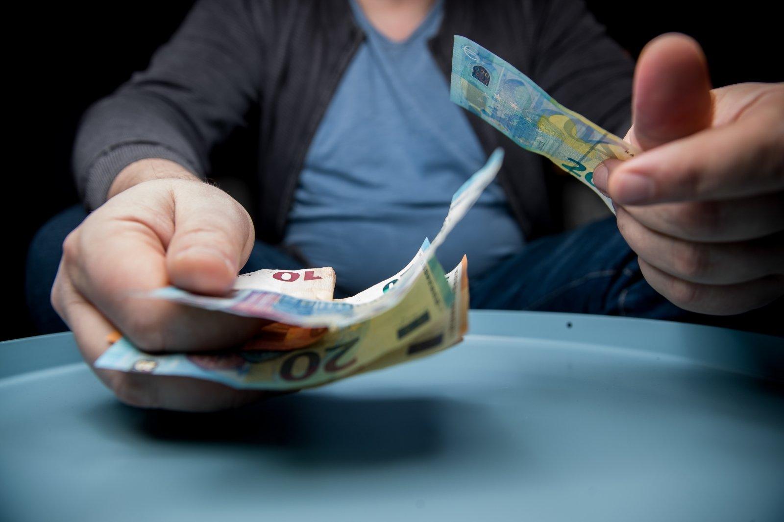 juodųjų uolų prekybos ir likvidumo strategijų atlyginimas