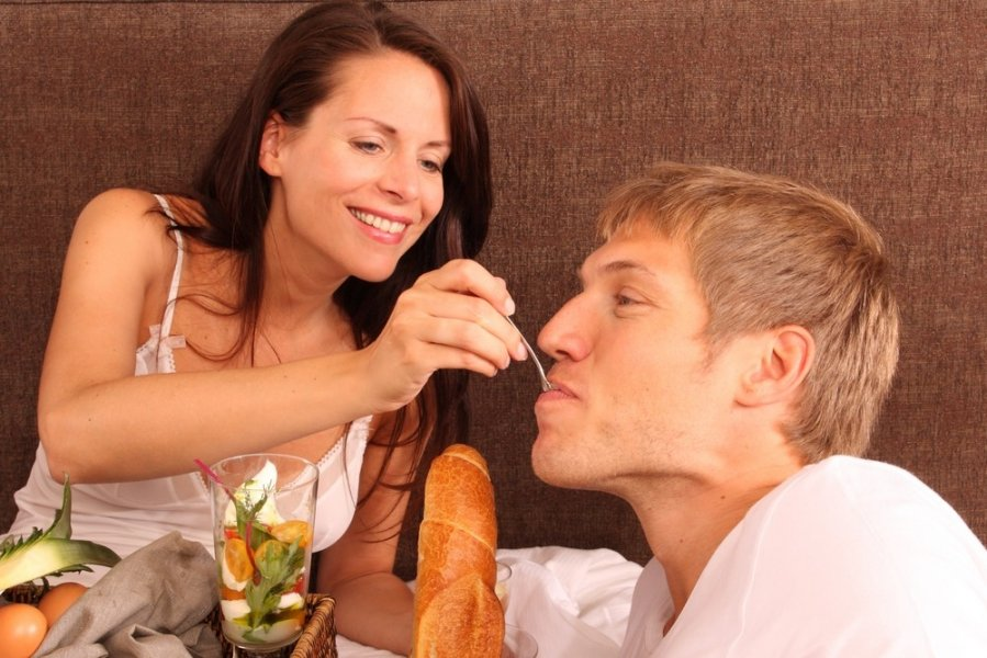 отсосать сперму у любовника жены