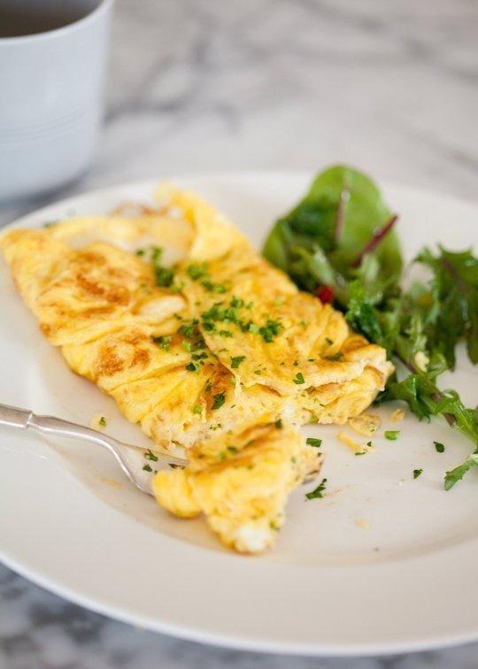 Savaitgalio pusryčiams: kiaušinienė lietuviškai, itališkai ir prancūziškai