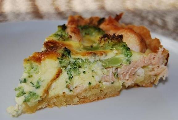 """Pyragas su lašiša ir brokoliais <sup style=""""color: #ff0000;"""">mamos receptas</sup>"""