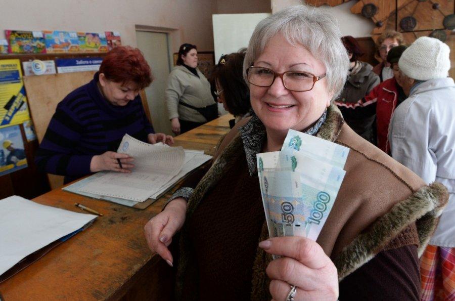 Пенсионеру не дают отпуск без сохранения заработной платы
