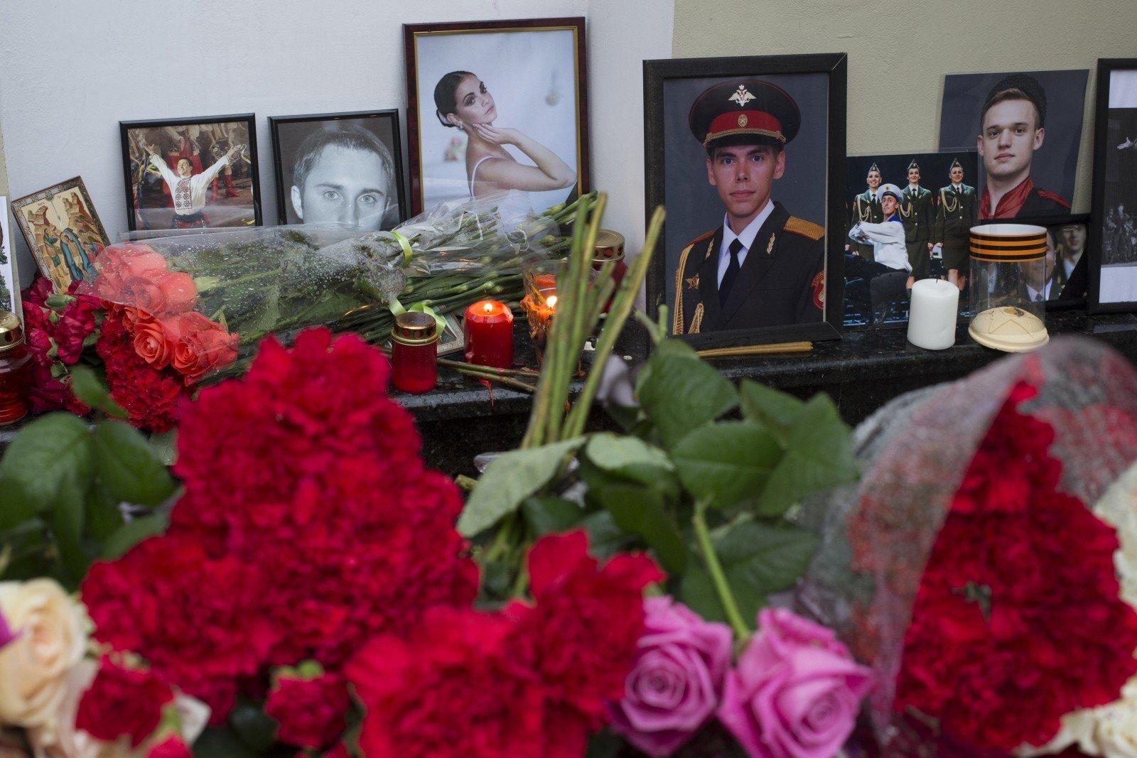 Охранники санатория вСочи отыскали фрагменты рухнувшего Ту-154 иостанки тел