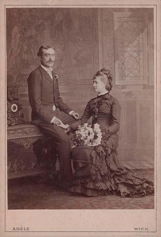 """Klementina ir Jonas Leonas Tiškevičiai Vienoje, apie 1878 m., ateljė """"Adèle"""", (Austrijos nacionalinė biblioteka)"""