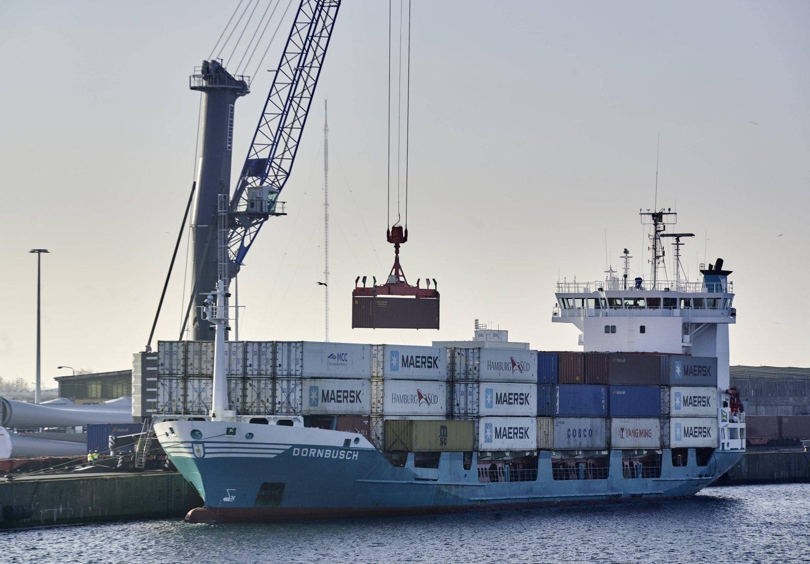 Konfliktas su Kinija įsisiūbuoja: Lietuvos verslas jau kuria įmones kitose šalyse - DELFI