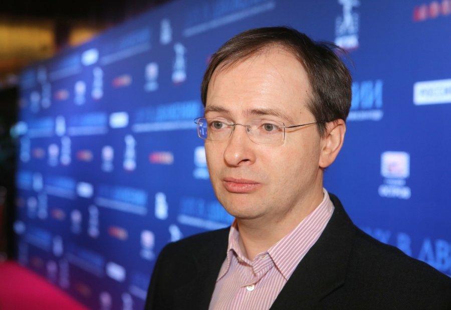 Глава пресс-службы России прокомментировал споры вокруг диссертации Мединского